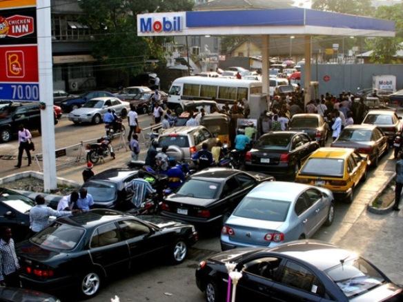 fuel_queues_2_755475260